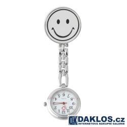 Kovové připínací kapesní hodinky se smajlíkem nejen pro zdravotní sestru