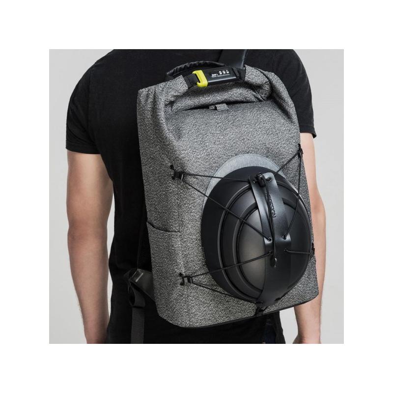 ... Naprosto nedobytný městský batoh Bobby Urban ffa927f25f