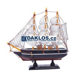 Dřevěná loď / plachetnice - model 20 cm
